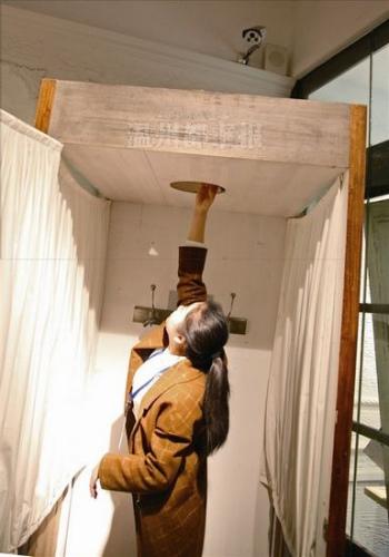 温州一服装店试衣间内挖孔安装监控 店家:通风  监控新闻  第2张